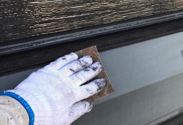 千葉県八千代市 外壁塗装 付帯部塗装 ケレン作業 水切り シャッター (2)
