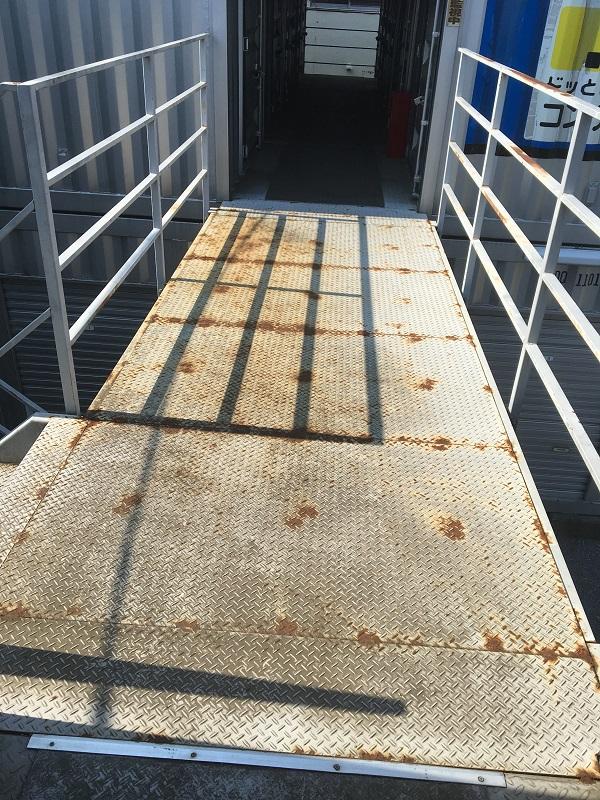 千葉県千葉市花見区 鉄骨階段塗装 ケレン作業 目粗し