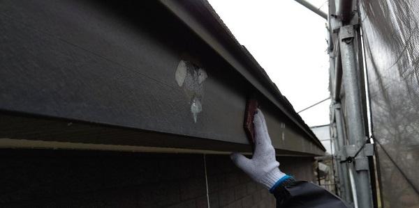 千葉県千葉市若葉区 A様邸 外壁塗装・屋根塗装・付帯部塗装 破風板塗装 ケレン作業(素地調整) (4)