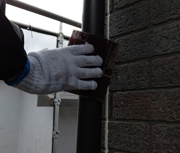千葉県千葉市若葉区 A様邸 外壁塗装・屋根塗装・付帯部塗装 雨樋塗装の工程 (4)