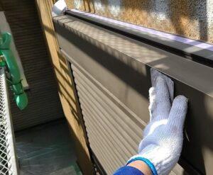 千葉県成田市 H様邸 屋根重ね葺き工事 外壁塗装 シャッターボックス塗装 錆び止めとは (2)