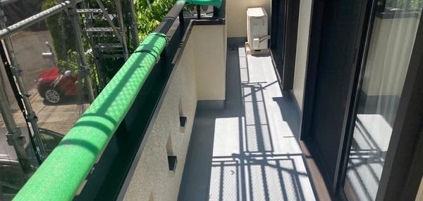 千葉県成田市 H様邸 屋根重ね葺き工事 外壁塗装 ベランダ トップコート塗り替え (4)