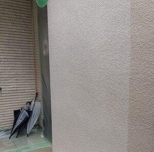 千葉県成田市 H様邸 屋根重ね葺き工事 外壁塗装 外壁中塗り 上塗り (1)1