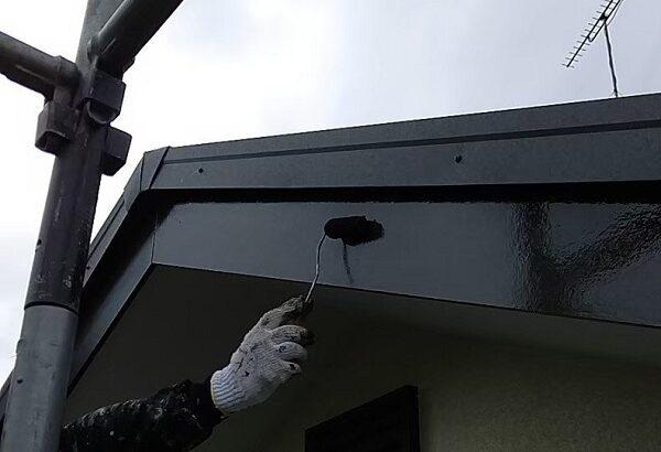 千葉県成田市 H様邸 屋根重ね葺き工事 外壁塗装 破風板塗装 塗装はDIYできる 写真付き塗装の工程 (3)