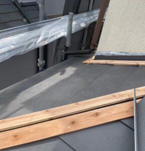 千葉県成田市 H様邸 屋根重ね葺き工事 外壁塗装 棟板金取り付け コーキングとは (10)