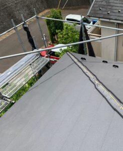 千葉県成田市 H様邸 屋根重ね葺き工事 外壁塗装 棟板金取り付け コーキングとは (4)