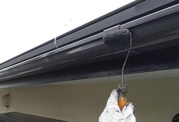 千葉県成田市 H様邸 屋根重ね葺き工事 外壁塗装 軒樋塗装 雨樋の色は何色がいい (3)
