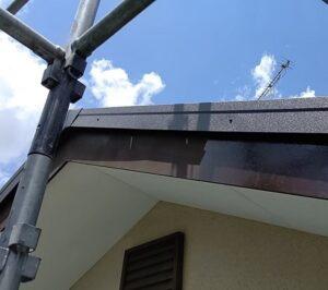 千葉県成田市 H様邸 屋根重ね葺き工事 外壁塗装 破風板塗装 塗装はDIYできる 写真付き塗装の工程 (2)
